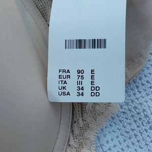 Chantelle Intimates & Sleepwear - Chantelle 34DD nude bra from Nordstrom's new